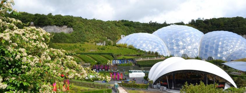 10 Breathtaking Conservatory Designs