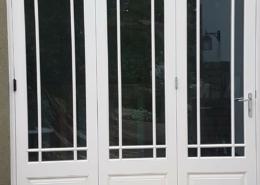 section-sliding-folding-doors-installed-in-kent